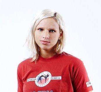 Alena Holá v superfightu!